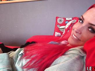 Lexy Roxx любит когда ей заполняют анал спермой