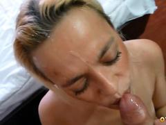 Елена жадно принимает член из попки в рот