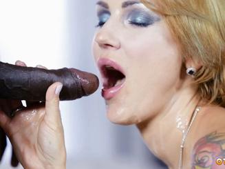 Elen Million дала отыметь половую щель негру с большим членом