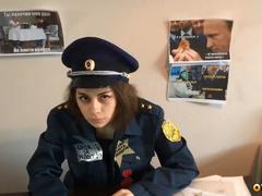 Сотрудница налоговой инспекции долбится с майором - в ролях Лолли Липс