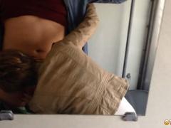 Минет в туалете поезда от взрослой русской хуесоски