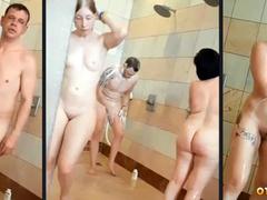 Голые сучки и парни нудисты моются вместе в бане