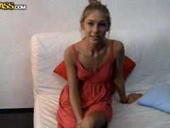 Abby Anjelica в эротической фотосессии трахается с парнем из Воронежа
