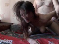 Муженек дрючит пьяную жену перед веб-камерой